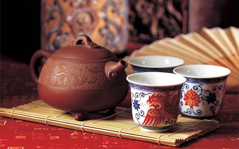 смиренне чаювання на великдень в Китаї