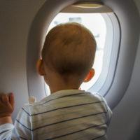 Перелет с грудничком: полезные советы для родителей