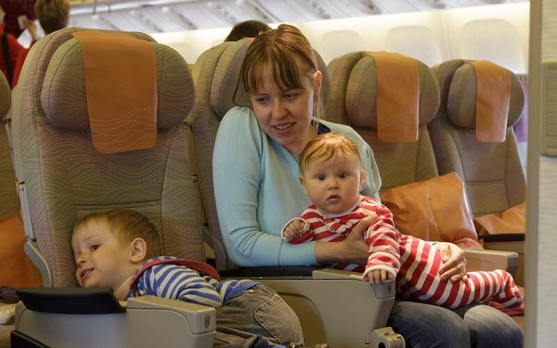 Перелет с двумя детьми