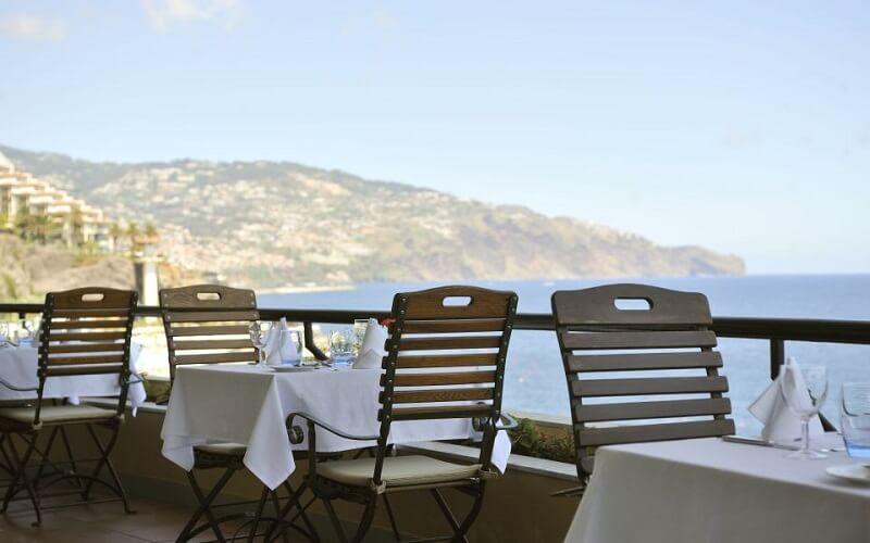 Ресторан у готелі Pestana Palms 4