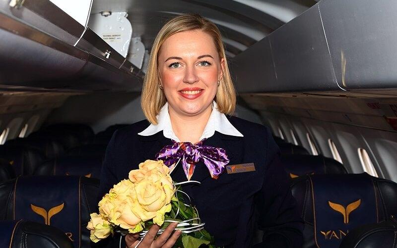 персонал авиакомпании YanAir