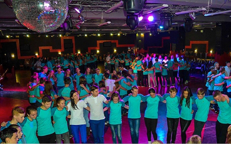 Танці в Артек-Буковель
