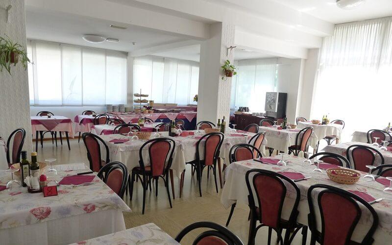 Ресторан в Bamby Hotel 3*, Ріміні, Італія