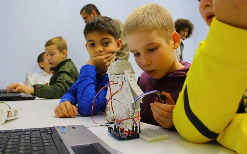 Літній табір робототехніки «Boteon»