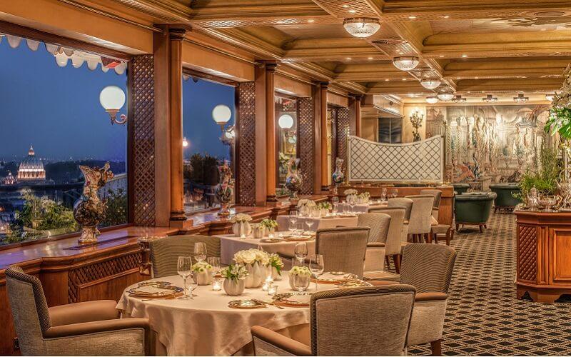 Интерьер ресторана La Pergola