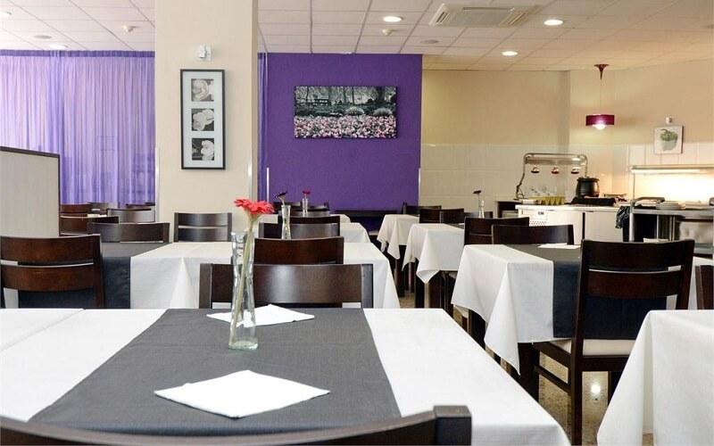 Ресторан в готелі Moremar 3*, Коста Брава, Іспанія