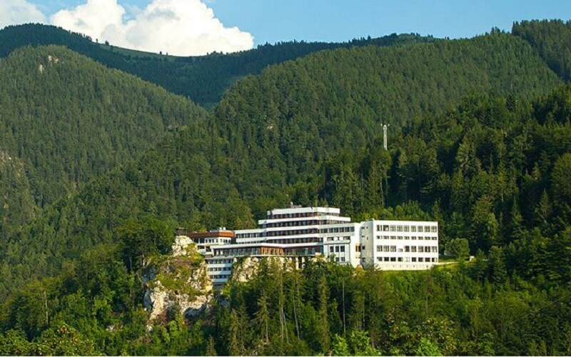 Будівля табору Артек-Буковель Semmering, Австрія
