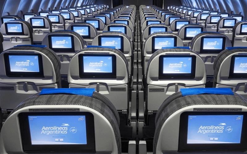 салон самолета авиакомпании Aerolineas Argentinas