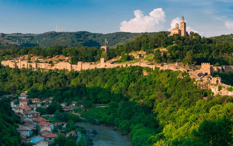 Царевец — средневековая крепость в городе Велико-Тырнов