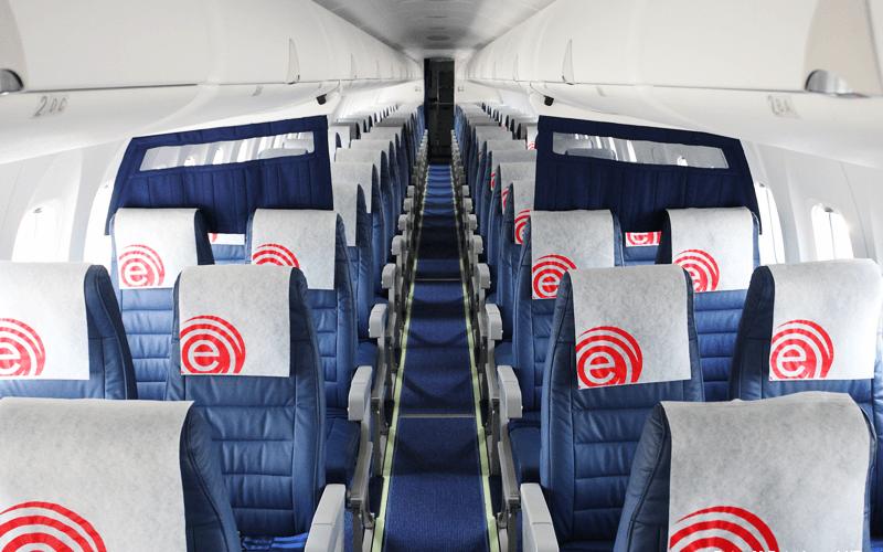 салон літака авіакомпанії Eurolot