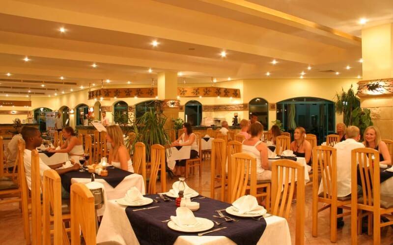 Ресторан в Falcon Hills Hotel 3*, Шарм-ель-Шейх, Єгипет