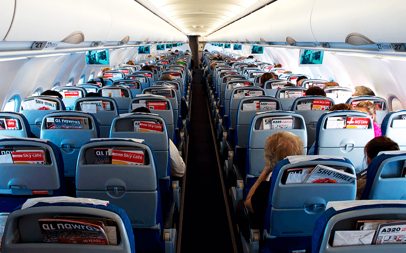 салон літака авіакомпанії Air Arabia