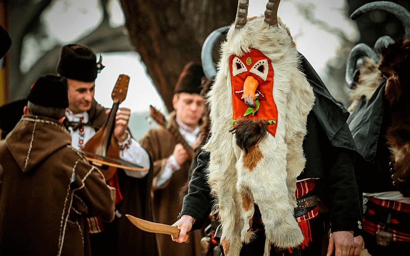 Традиционная кукерская маска из Болгарии