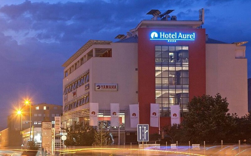Отель Аурел