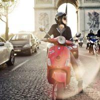 Парижане приготовят для туристов более полутора тысяч скутеров
