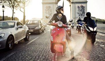 Парижани приготують для туристів понад півтори тисячі скутерів