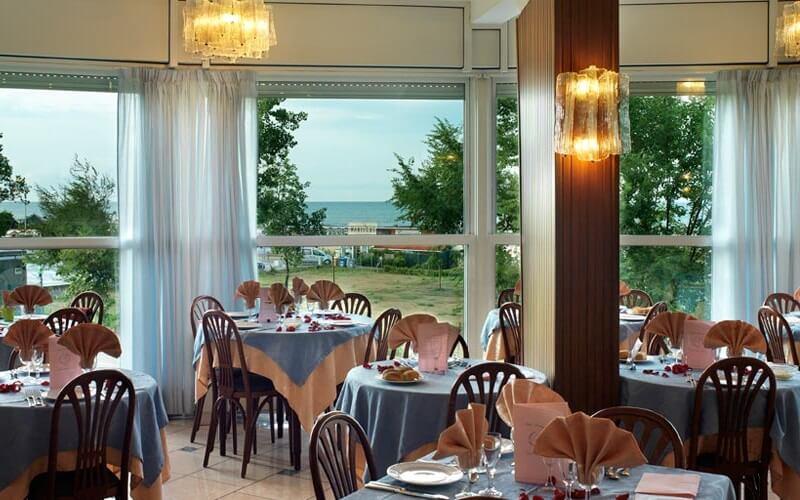 Ресторан в Meeting Hotel 3*, Римини, Италия
