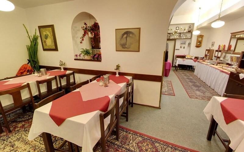 Ресторан в Ostas Hotel 3*, Прага, Чехія