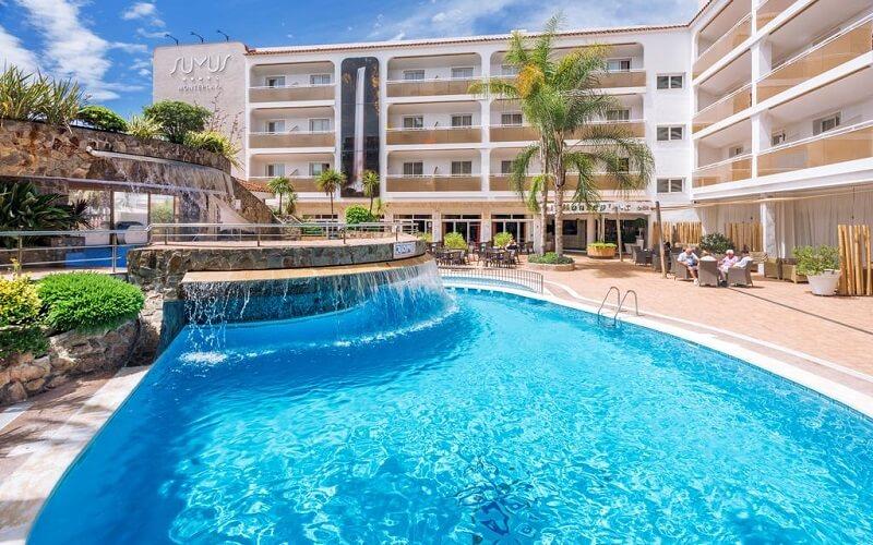 Басейн в Sumus Hotel Monteplaya 4*, КостаДель Маресме , Іспанія