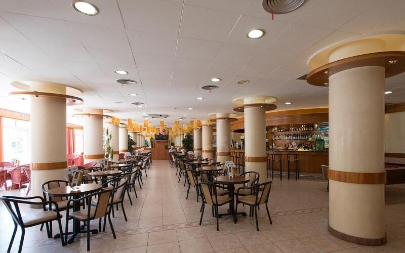 Ресторан в Sumus Hotel Monteplaya 4*, КостаДель Маресме , Іспанія