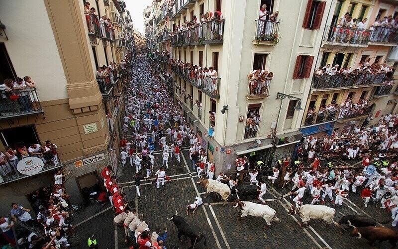Енсьєрро на вулицях Іспанії