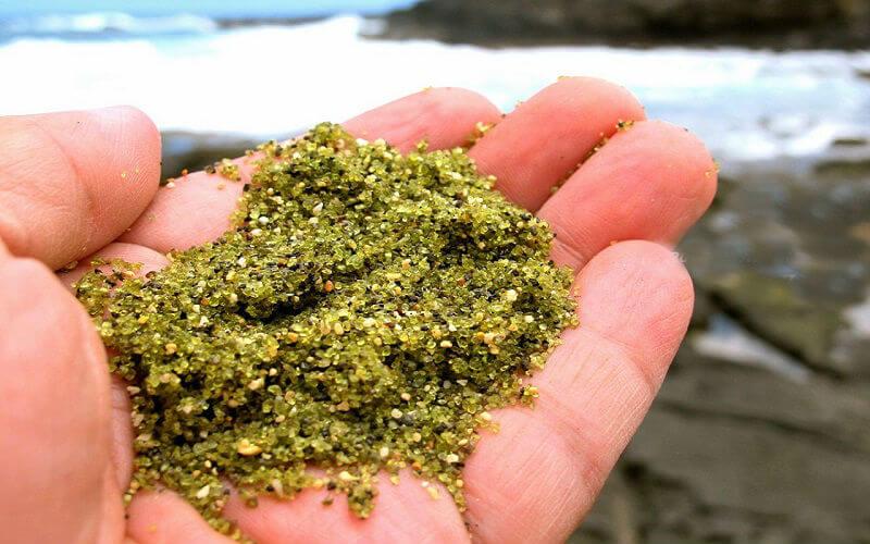 Зелений пляж Папаколеа