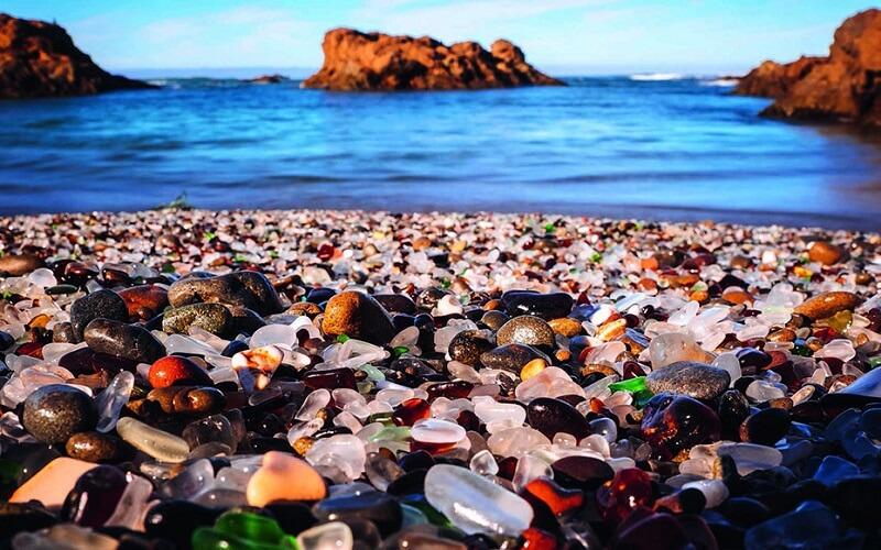 Скляний пляж в Каліфорнії