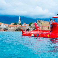 У Чорногорії пропонують екскурсію на субмарині