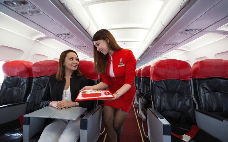 Салон самолета авиакомпании AirAsia