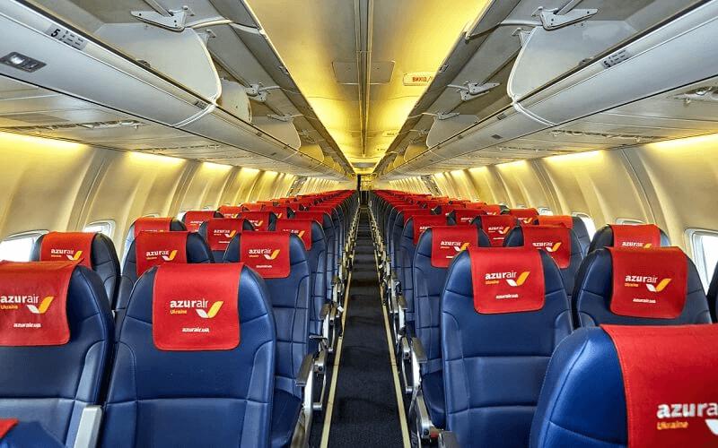 Салон самолета Azur Air