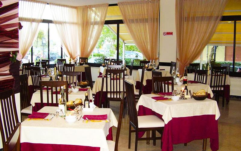 Ресторан Crosal Hotel 3*, Ріміні, Італія