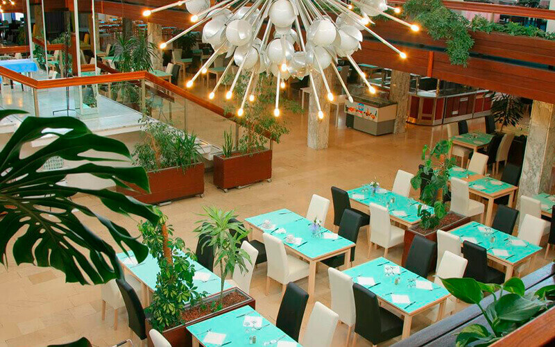 Ресторан в Medena Hotel 3