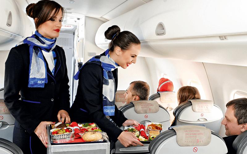 салон самолета авиакомпании Montenegro Airlines