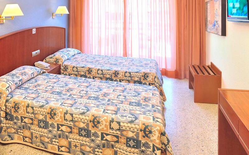 Номер в Oasis Park & Spa Hotel 4*, Коста Брава, Іспанія