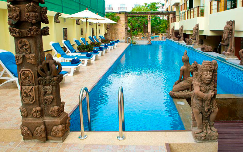 бассейн в Poppa Palace 3*, о. Пхукет, Таиланд