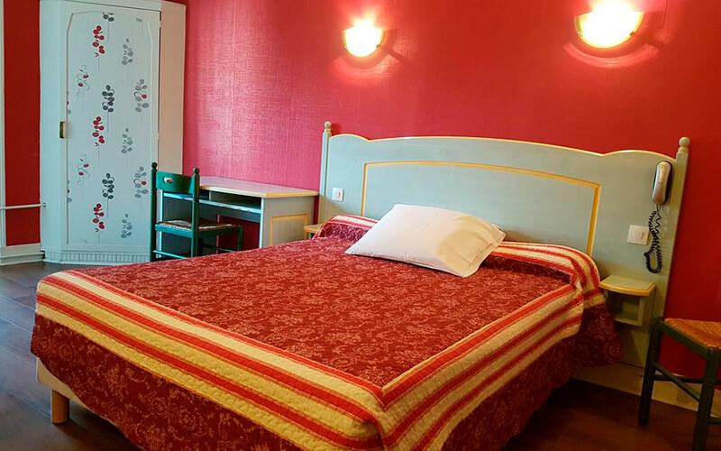 Номер, готель Sibour 2*, Париж, Франція