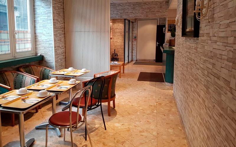 Ресторан, готель Sibour 2*, Париж, Франція