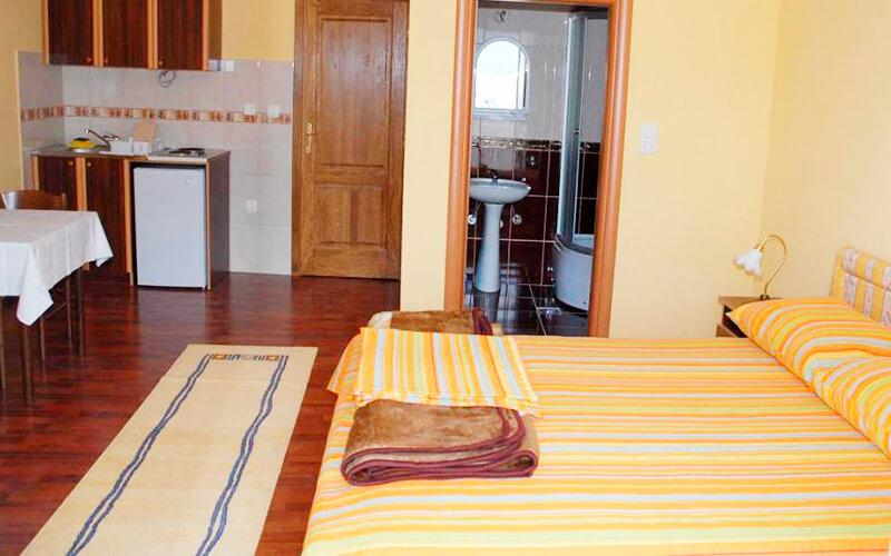 Номер в готель Villa Ljumovic 2*, Будва, Чорногорія