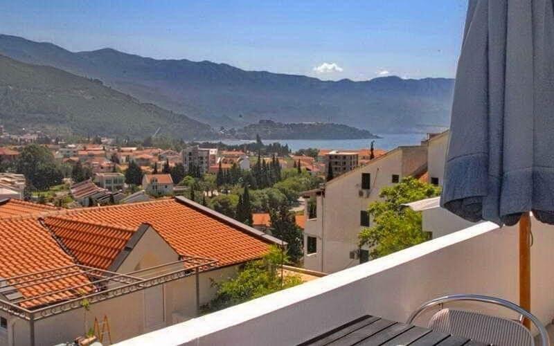 Балкон готель Villa Ljumovic 2*, Будва, Чорногорія