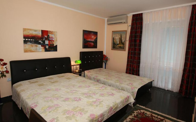 Номер у готелі Villa Skazka 3*, Будва, Чорногорія