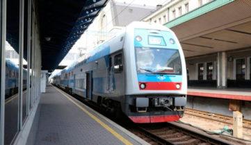 «Укрзалізниця» анонсувала 5 додаткових поїздів до свят