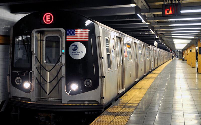 Вагон метро в США