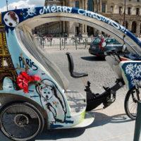 Париж приготовил экскурсии по городу на необычном транспорте!