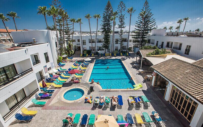 бассейн в Anthea Hotel Apartments 3*, Айя Напа, Кипр