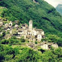 Швейцарская деревня станет отелем