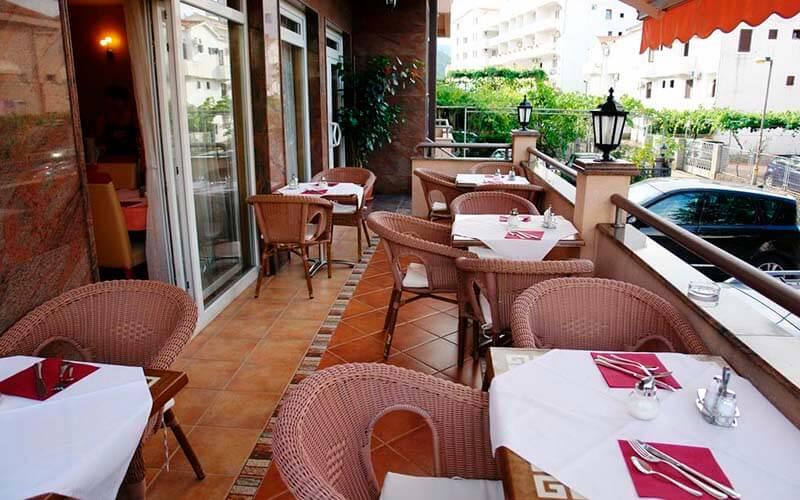 Ресторан в Fineso Garni Hotel 4*, Будва, Черногория
