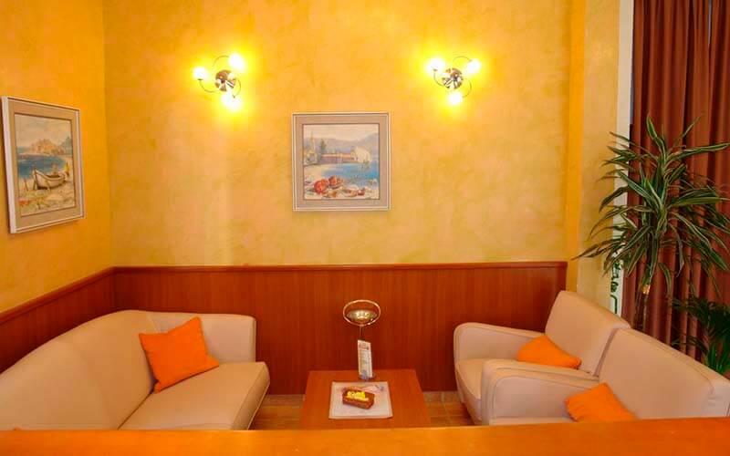 Зона отдыха в Fineso Garni Hotel 4*, Будва, Черногория