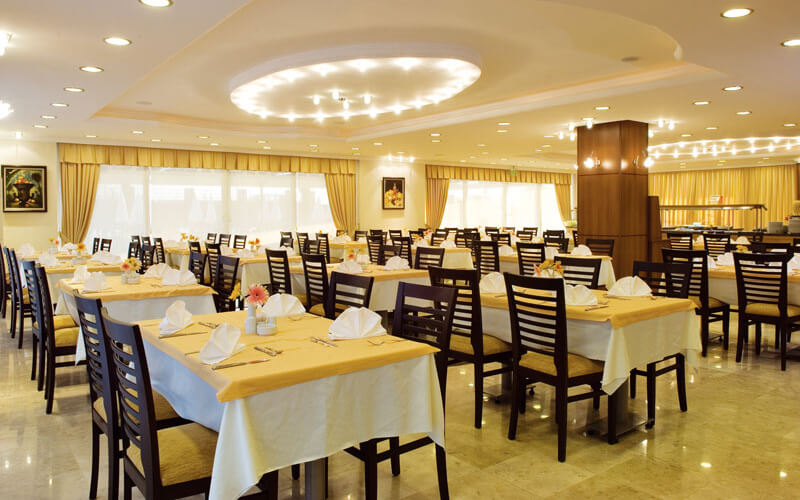 Ресторан в Holiday Point Hotel City 4*, Сиде, Турция