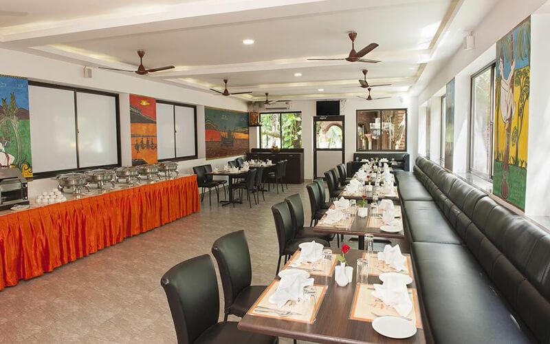 Ресторан в Le Pearl Goa Resort & Spa 4*