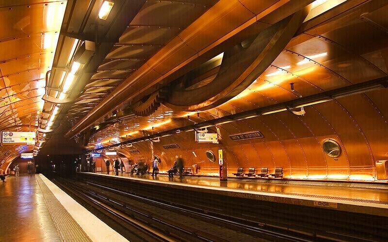 Станция метро Arts Et Metiers (Париж)